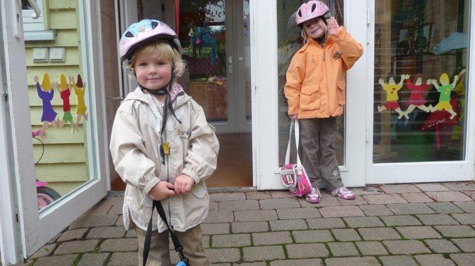 Comment choisir petit cartable à roulettes pour votre enfant